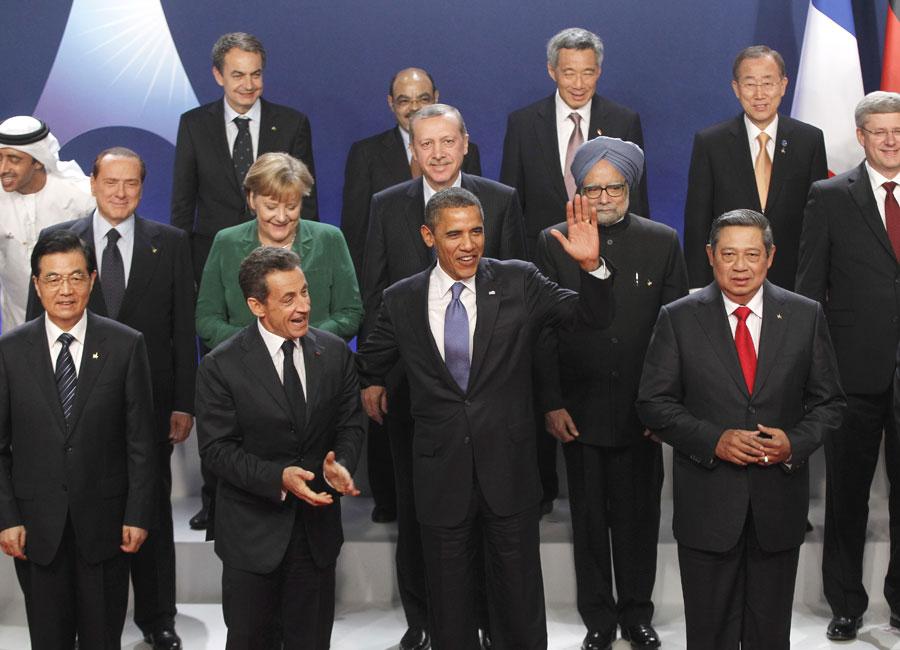 3 de novembro - Grupo de autoridades é fotografado no encontro de cúpula do G20