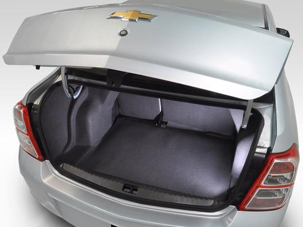 Porta-malas do Cobalt leva 563 litros (Foto: Divulgação)