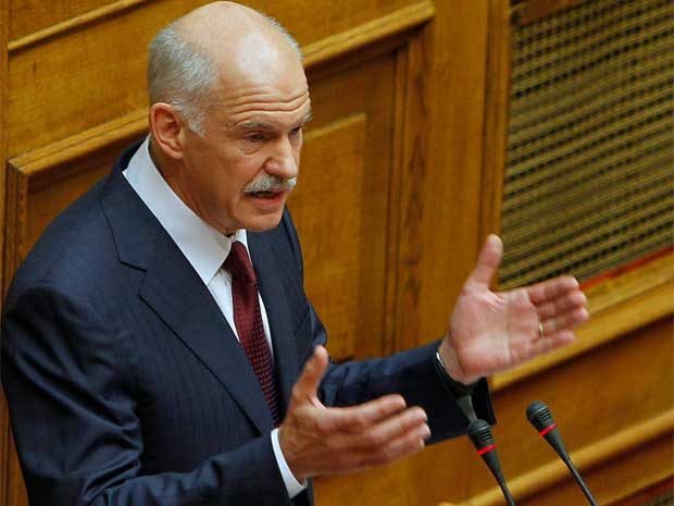 O primeiro-ministro da Grécia, George Papandreou, fala ao Parlamento nesta sexta-feira (Foto: AP)