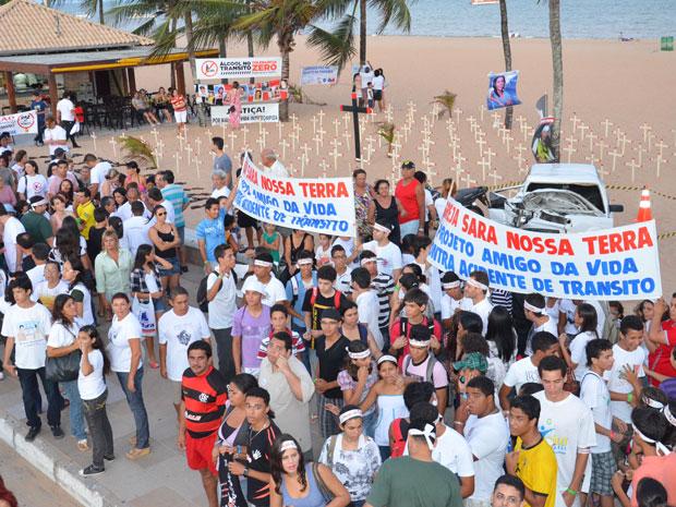 Ato pela paz  no trânsito reuniu dezenas de pessoas  (Foto: Walter Paparazzo/G1)