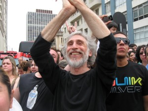 Carlos Daitschman diz que é importante iniciativas que levem as pessoas para a rua para usufruir da cultura (Foto: Bibiana Dionísio G1 PR)
