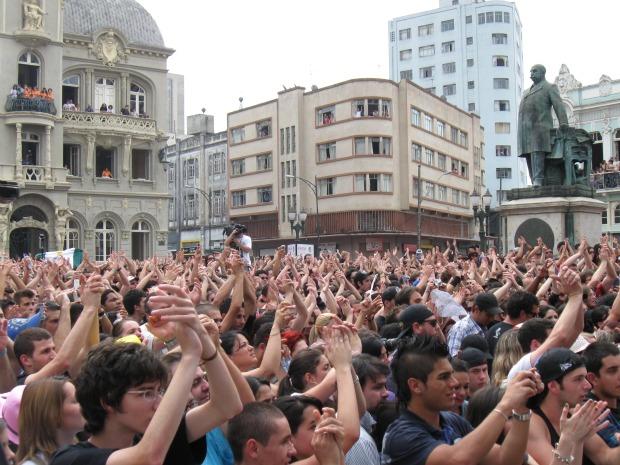 Maius de 25 mil pessoas acompanharam o show do Ultraje a Rigor (Foto: Bibiana Dionísio G1 PR)