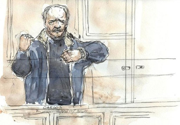 Ilustração feita durante julgamento desta segunda (7) mostra 'Carlos, o chacal' gesticulando durante a audiência (Foto: AFP)