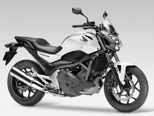 Nova naked da Honda tem motor bicilíndrico de 47,6 cv de potência (Foto: Divulgação)