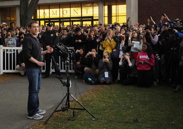 Zuckerberg respondeu perguntas dos alunos de Harvard (Foto: Reuters)