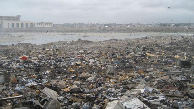 Área de descarte de eletrônicos em Acra, capital de Gana, na África (Foto: Empa – ewaste)