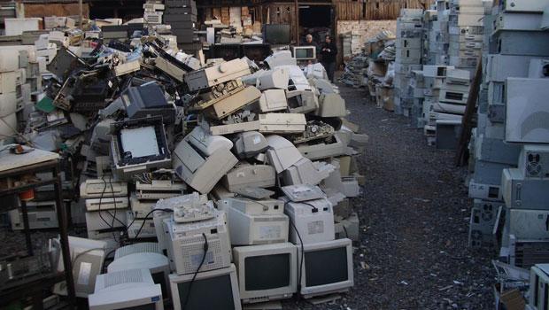 um depósito de lixo eletrônico em Santiago (Foto: Empa – ewaste)
