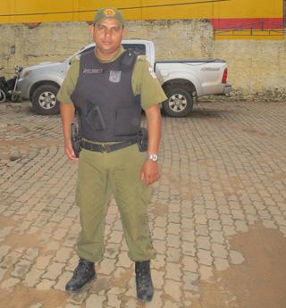 cabo pinheiro é o xerife da cidade violenta do pará (Foto: Tahiane Stochero/G1)