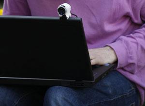 Mais de 4 milhões de computadores foram infectados pela fraude, segundo procuradores dos EUA (Foto: Luke MacGregor/Reuters)