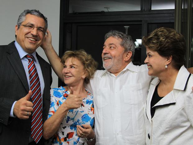 Lula e Marisa receberam Dilma e ministro da Saúde, Alexandre Padilha, no apartamento em São Bernardo (Foto: Ricardo Stuckert/Instituto Lula)