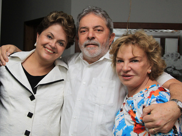 Dilma, Lula e Marisa no apartamento do ex-presidente. (Foto: Ricardo Stuckert/Instituto Lula)