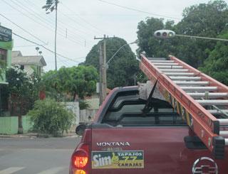 adesivos do sim tapajós em carros em santarém (Foto: Tahiane Stochero/G1)
