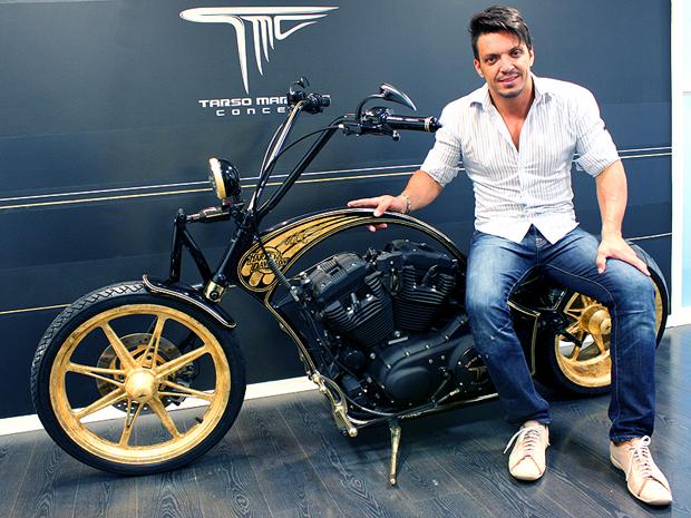 Tarso Marques produziu a O�Bike que custa R$ 135.000 e possui ouro (Foto: Rafael Miotto)
