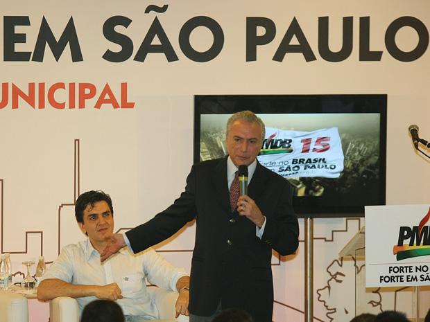 Temer e Chalita durante encontro com pré-candidatos do PMDB a vereador nesta sexta (11), em São Paulo. (Foto: Marcio Fernandes/AE)
