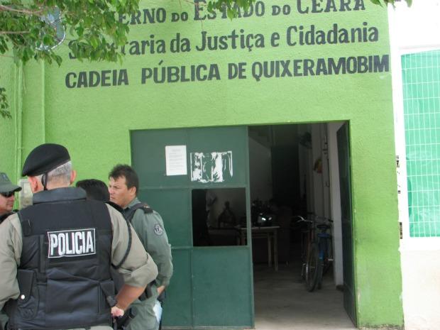 Rebelião na cadeia pública de Quixeramobim começou após resgate de preso, diz PM (Foto: Elistênio Alves/ Sistema Maior)