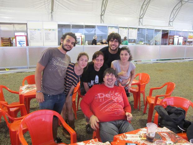 Filho do Renato Russo e turma (Foto: Cauê Muraro /  G1)