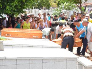 Gemol acredita que morte das irmãs foi por envenenamento (Foto: Walter Paparazzo/G1)