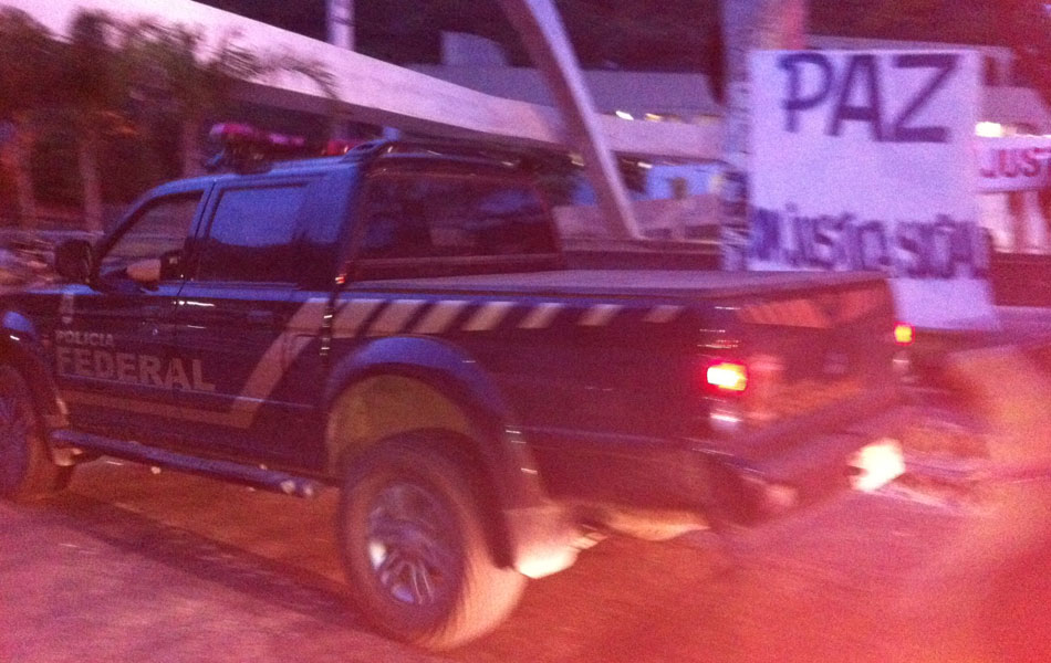 Agentes da PF ocupam a entrada principal da Rocinha