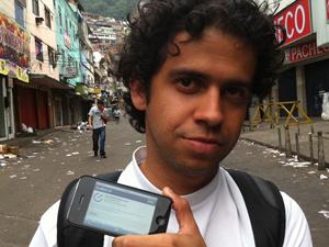 Leandro Lima, de 29 anos, acompanhou a ocupação e postou as notícias em tempo real no Twitter (Foto: Thássia Thum/G1)