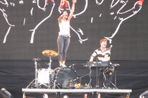 Matt & Kim no New Stage (Foto: G1)
