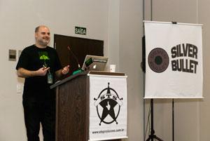 Anchises de Paula trouxe uma definição para o 'hacktivismo' – o ativismo auxiliado por técnicas de subversão (Foto: Altieres Rohr/Especial para o G1)