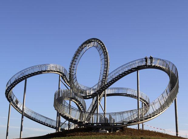 Escultura está exposta em Duisburg, na Alemanha (Foto: Frank Augstein/AP)