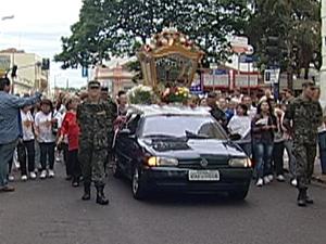Imagem percorre ruas de Uberaba (Foto: Reprodução/TV Integração)