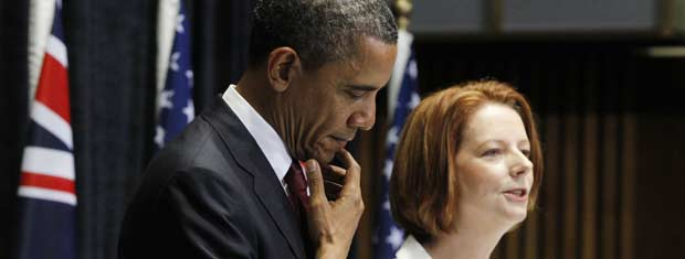 O presidente dos EUA, Barack Obama, e a premiê da Austrália, Julia Gillard, dão entrevista nesta quarta-feira (16) no Parlamento, em Canberra (Foto: AP)