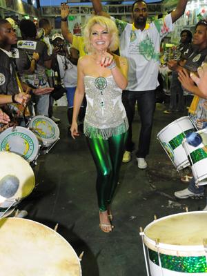 Antônia participou de ensaio com a bateria na quadra da Mocidade  (Foto: Divulgação / Mocidade)