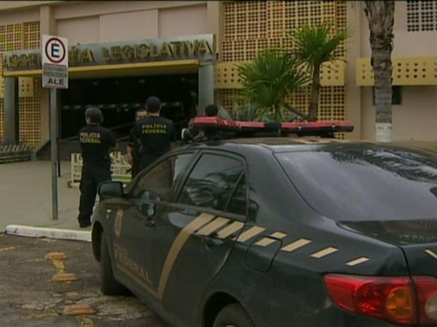 Segundo a PF, o presidente da Assembleia Legislativa de Rondônia, Valter Araújo (PTB), foi preso nas primeiras horas desta sexta-feira. (Foto: Reprodução/TV Globo)