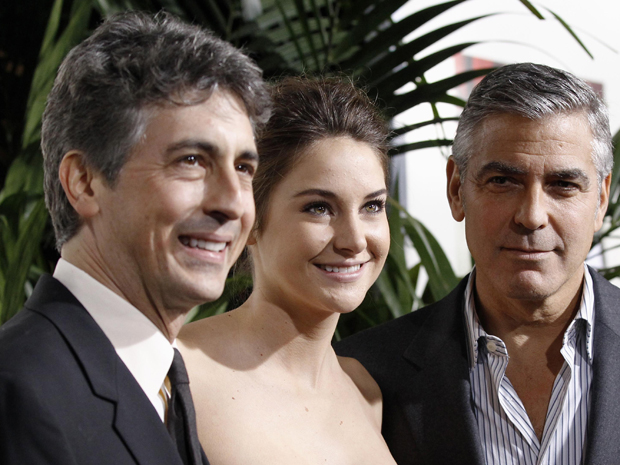 Alexander Payne, Shailene Woodle e George Clooney divulgam 'Os descendentes' (Foto: Reuters)