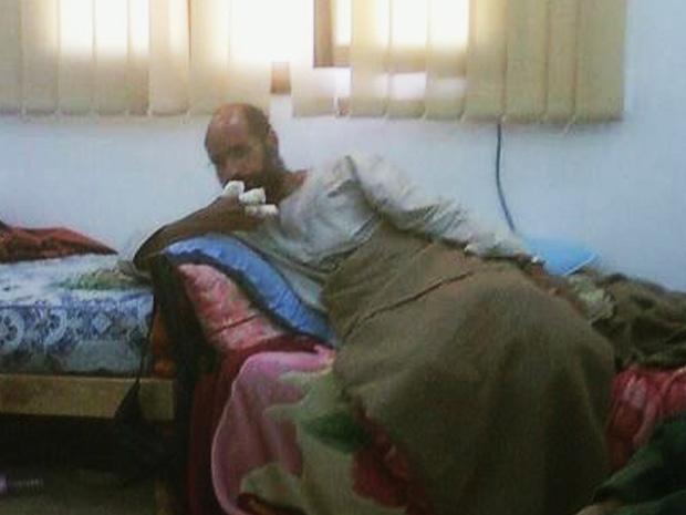 Saif al-Islam, filho de Muammar Kadhafi, capturado pelas forças do governo de transição da Líbia (Foto: Reuters/Libya Free TV via Reuters TV)