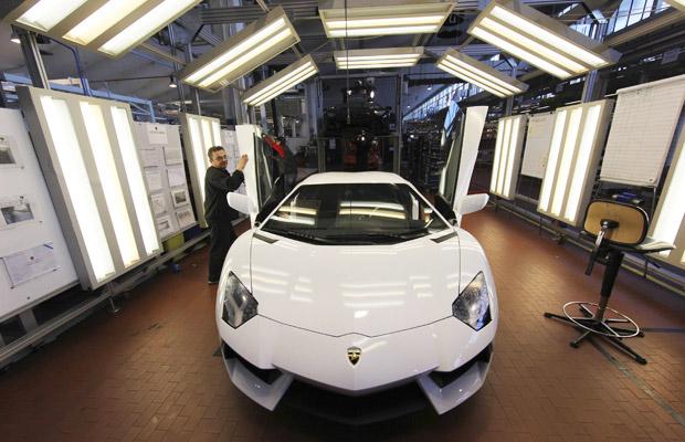 lamborghini aventador fábrica (Foto: Giorgio Benvenuti/Reuters)