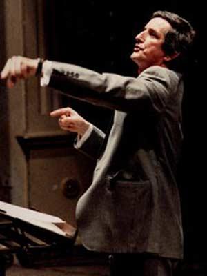 O maestro britânico Clive Wearing, sete meses antes do acidente (Foto: Arquivo de família)