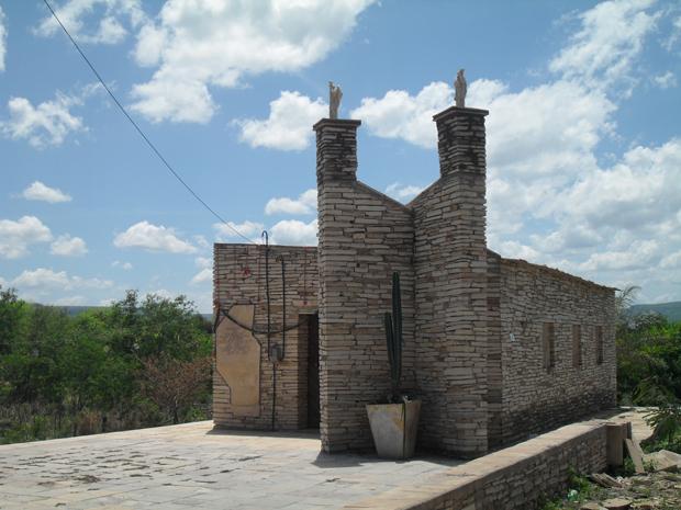 Memorial para Santa Benigna é mantido moradores da cidade (Foto: Ypsilon Felix/VC no G1)