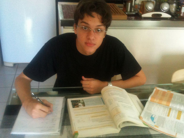 Estudante chegou a pensar em fazer medicina e direito, mas optou por economia (Foto: G1 Ceará)