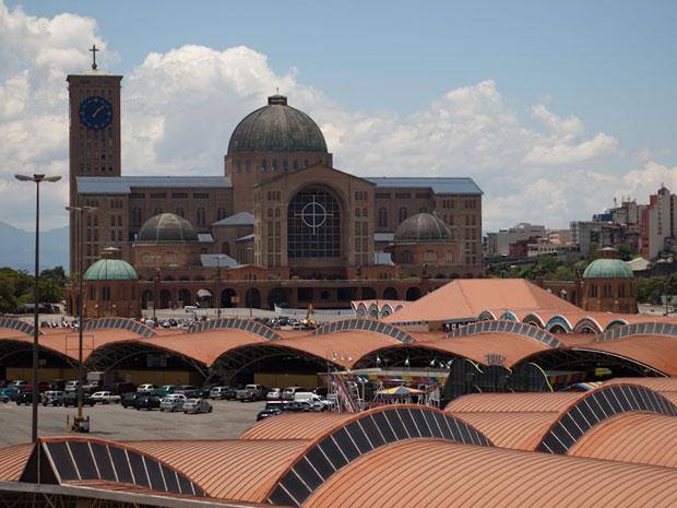 Santuário de Aparecida atrai milhões de visitantes todos os anos (Foto: Caio Kenji/G1)