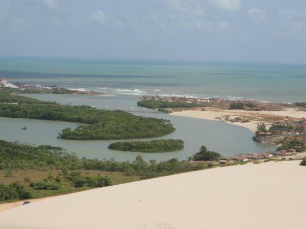 """Área de interesse ambiental """"é o último remanescente de dunas na Capital"""", diz vereador (Foto: Alex Costa/Agência Diário)"""