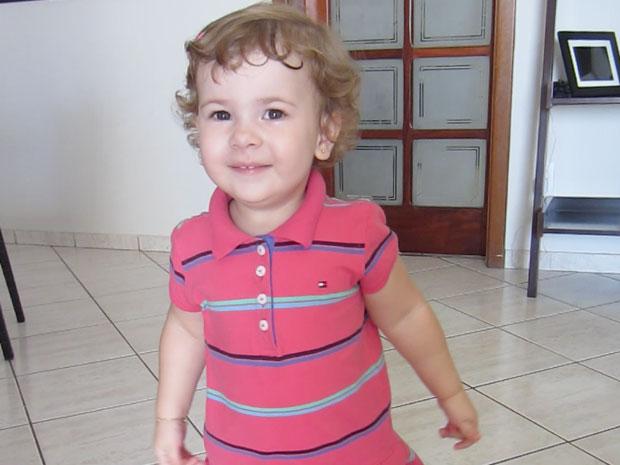 Isadorinha ganha fama com vídeo em que canta música de Roberto Carlos (Foto: G1)