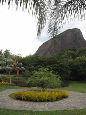 Área de lazeer no Parque Dois Irmãos (Foto: Lilian Quaino/G1)