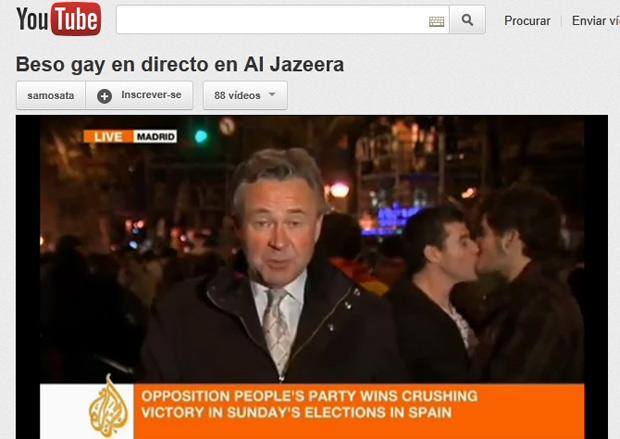Casal se beija durante transmissão ao vivo de repórter da Al Jazeera (Foto: Reprodução )