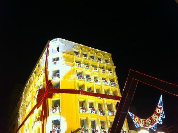 Cerca de 25 mil pessoas foram receber o Papai Noel em Fortaleza, juntas com o Coral de Luz e a banda Paralamas. Este é o 15º ano do evento promovido pela Prefeitura de Fortaleza. O Coral de Luz conta com a voz de 170 crianças. (Foto: Elias Brunp/ G1 Ceará)