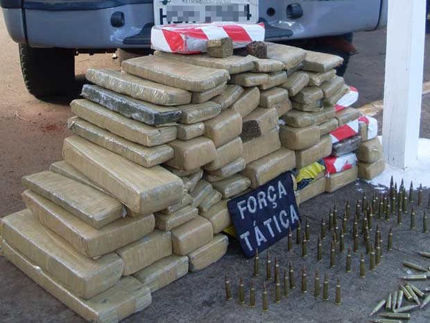 Marijuana and M16 ammunition seized at the Ponta Pora border crossing between Brazil and Paraguay