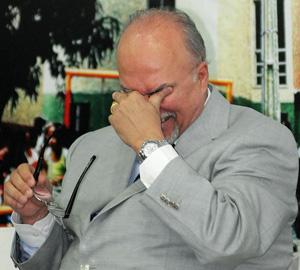 O ministro Mario Negromonte se emociona durante evento na Bahia (Foto: Valter Pontes / Agência Estado)