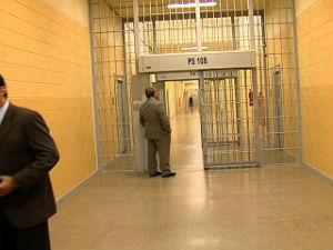 Membros do judiciário visitam presídio de Xuri (Foto: Reprodução/TV Gazeta)