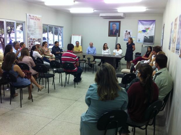 Reunião teve a presença de secretários de governo do município e do Estado (Foto: Elias Bruno/ G1 Ceará)