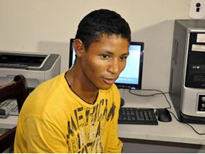 índio diz que internet conectou aldeia ao mundo (Foto: Ericksen Vital / G1)