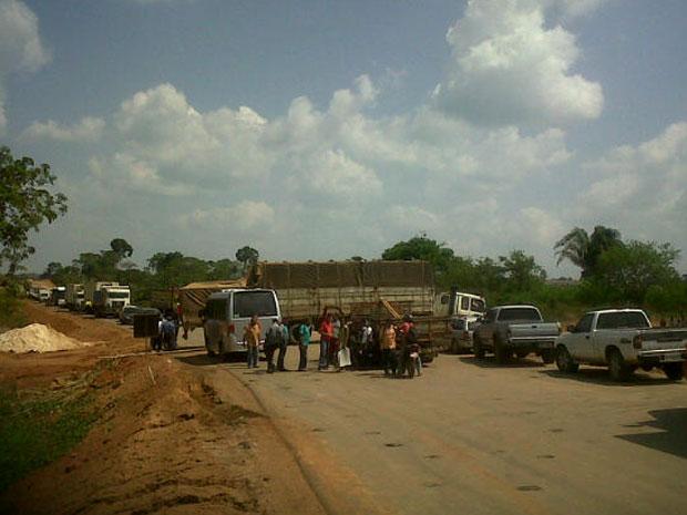 Protesto interditou Transamazônica, na região de Altamira  (Foto: Divulgação/Consórcio Construtor)