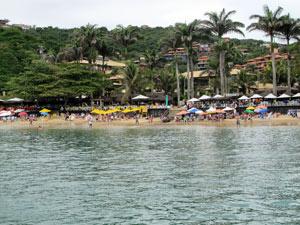 Praia de João Fernandes é uma das mais famosas de Búzios (Foto: Tássia Thum/G1)