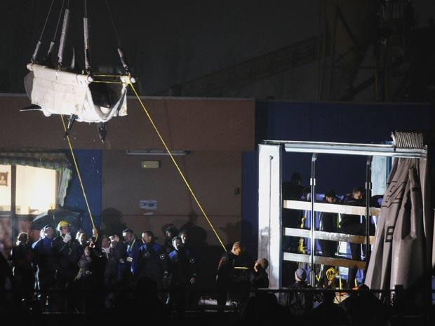 A orca Morgan é transferida para a Espanha (Foto: Bas Czerwinski/AP)
